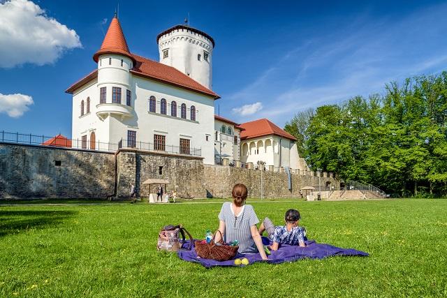 Budatínsky hrad a park sa nachádza len kúsok od centra Žiliny.